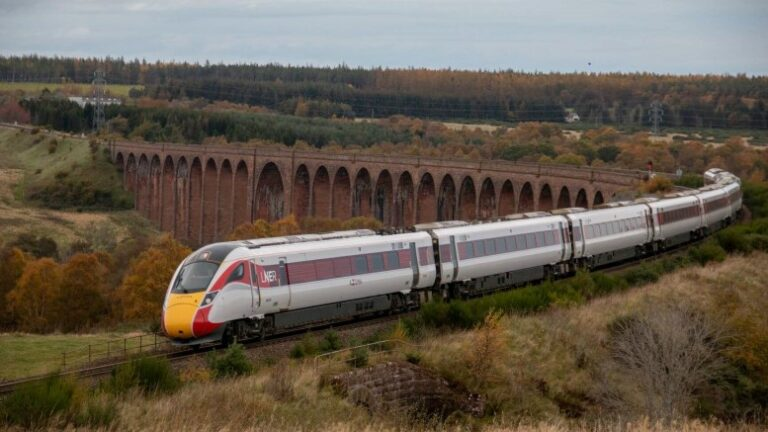 LNER to run East Coast trains for at least three more years