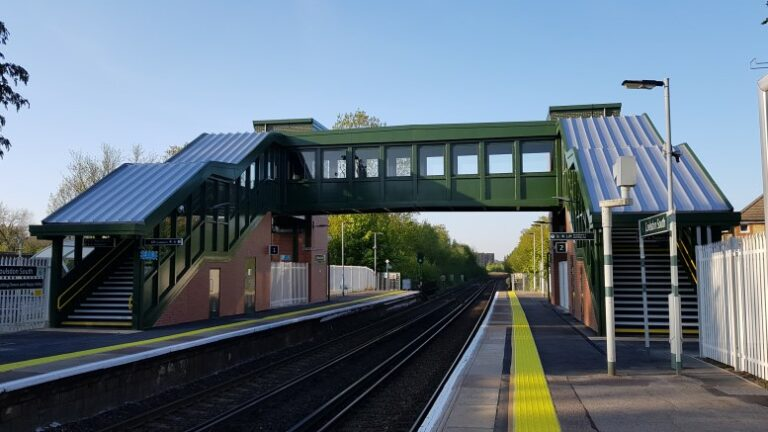 New footbridge at Coulsdon South improves access