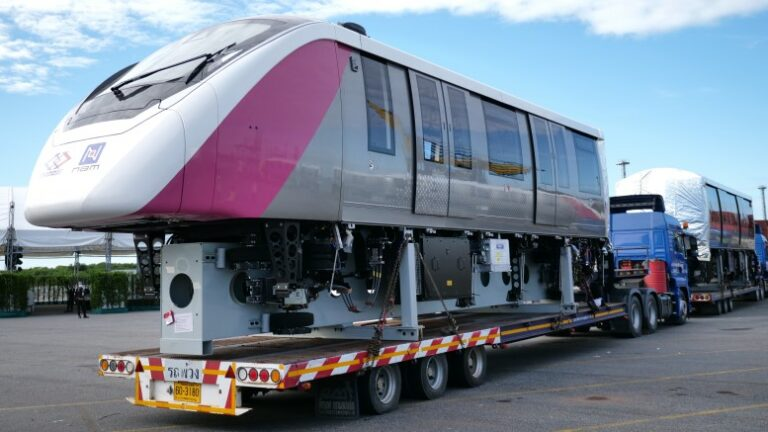 First Bombardier monorail cars delivered to Bangkok