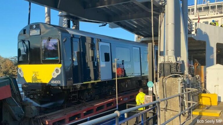 First new train arrives on Isle of Wight