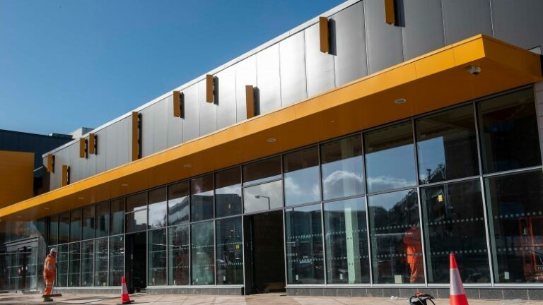 Wolverhampton station nears completion