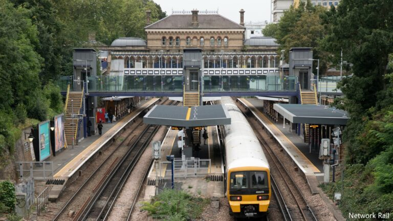 Solar tech proves future is brighter in European first for rail